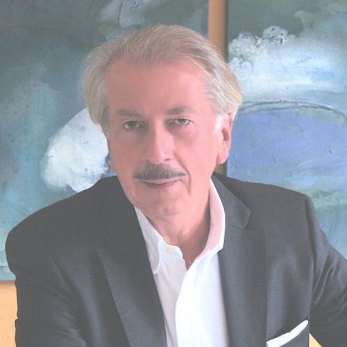 Prof. Dr. Gerhard Weibold ist selbstständiger Unternehmensberater und Vorsitzender des Vorstandes der financial education services AG sowie Geschäftsführer mehrerer Gesellschaften im In- und im Ausland.