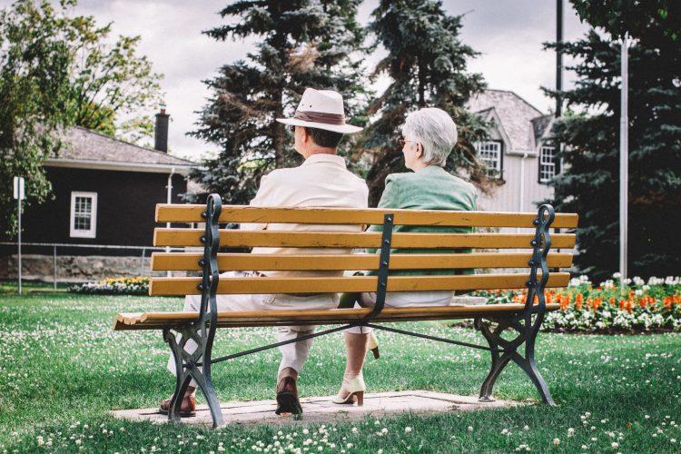 Studie zu Altersvorsorge und Niedrigzinsen: Ein Drittel der Deutschen hat Vertrauen in Rente verloren